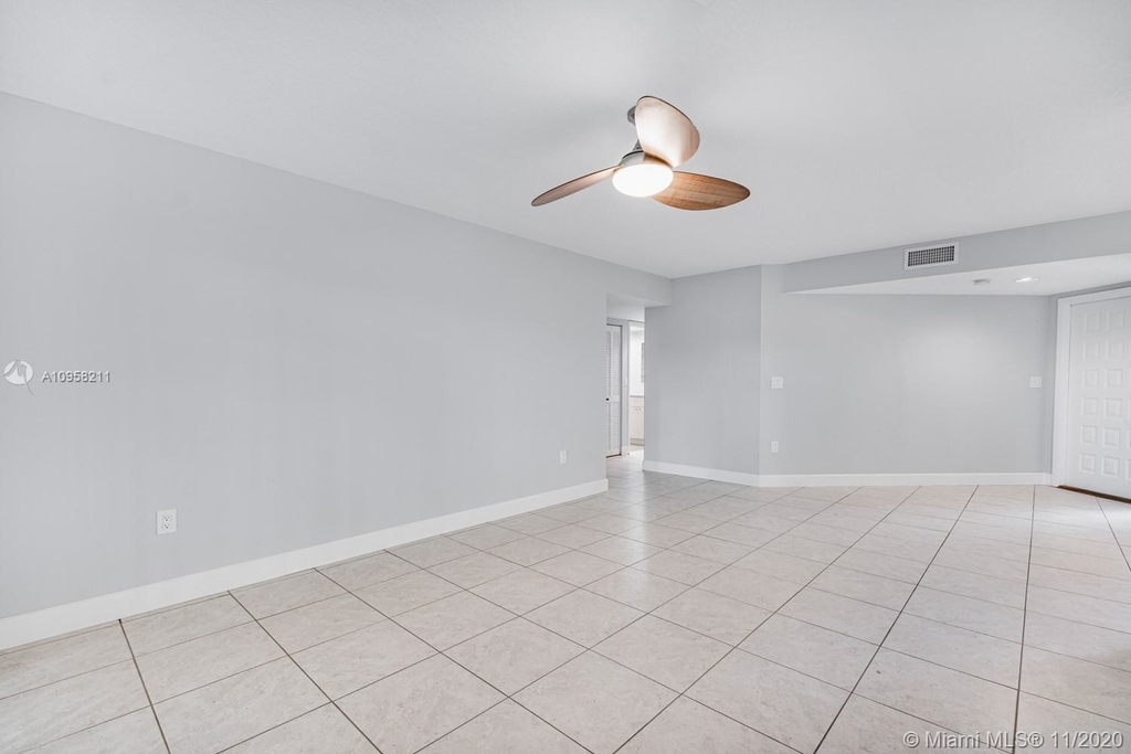 9228 Nw 9th Ct - Photo 5