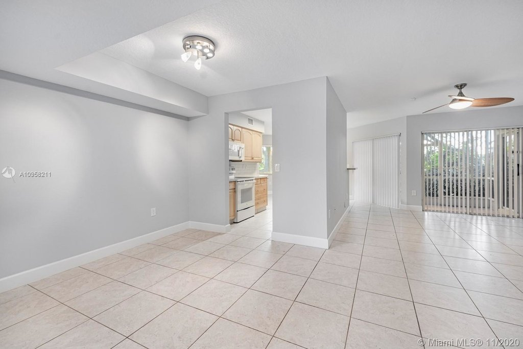9228 Nw 9th Ct - Photo 7