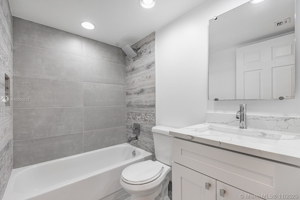 9228 Nw 9th Ct - Photo 26