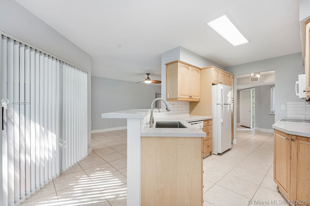 9228 Nw 9th Ct - Photo 13