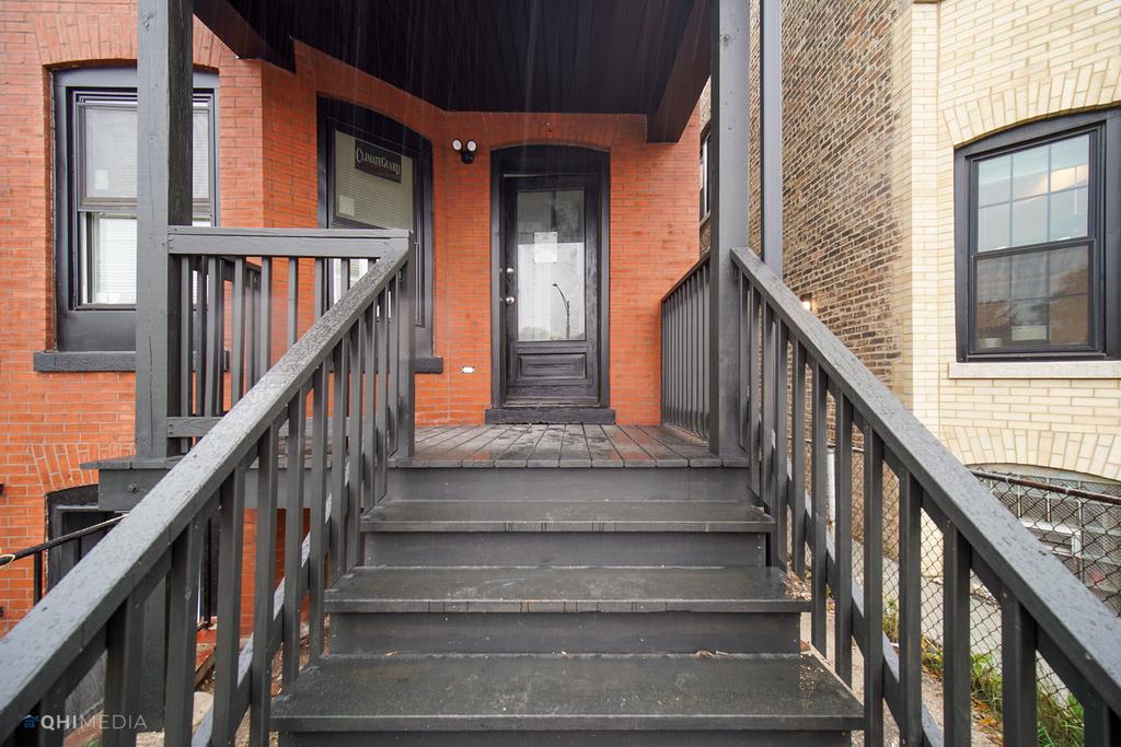2739 West Fullerton Avenue - Photo 14