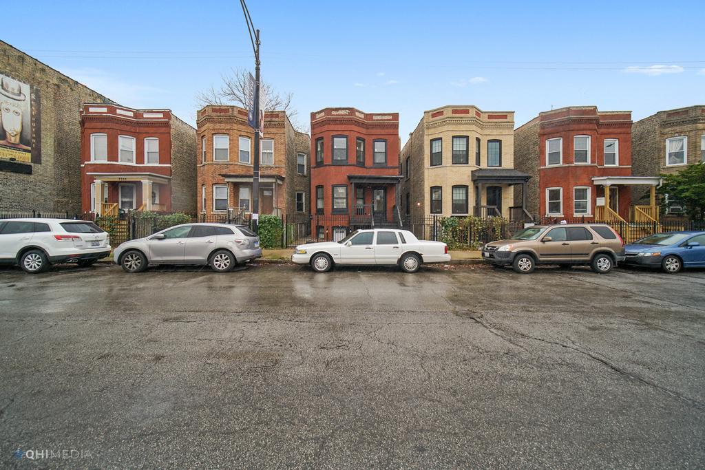 2739 West Fullerton Avenue - Photo 15