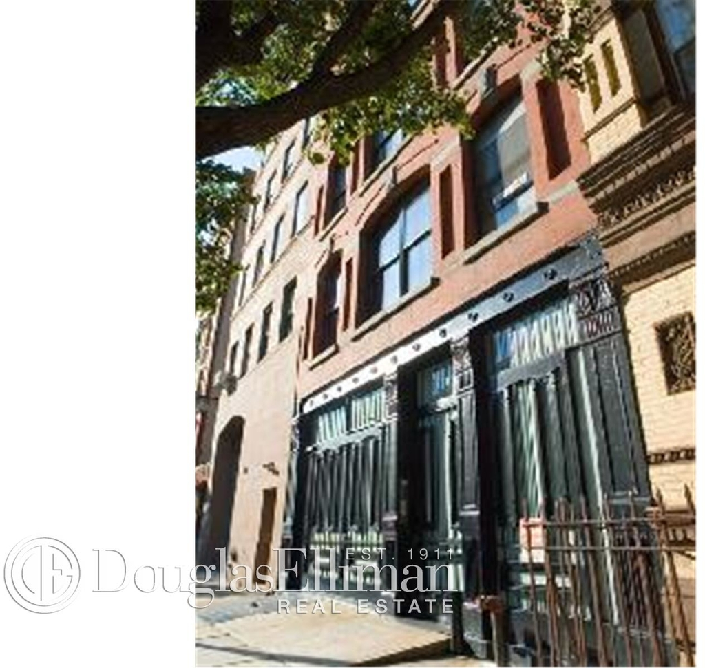554 Broome St - Photo 9