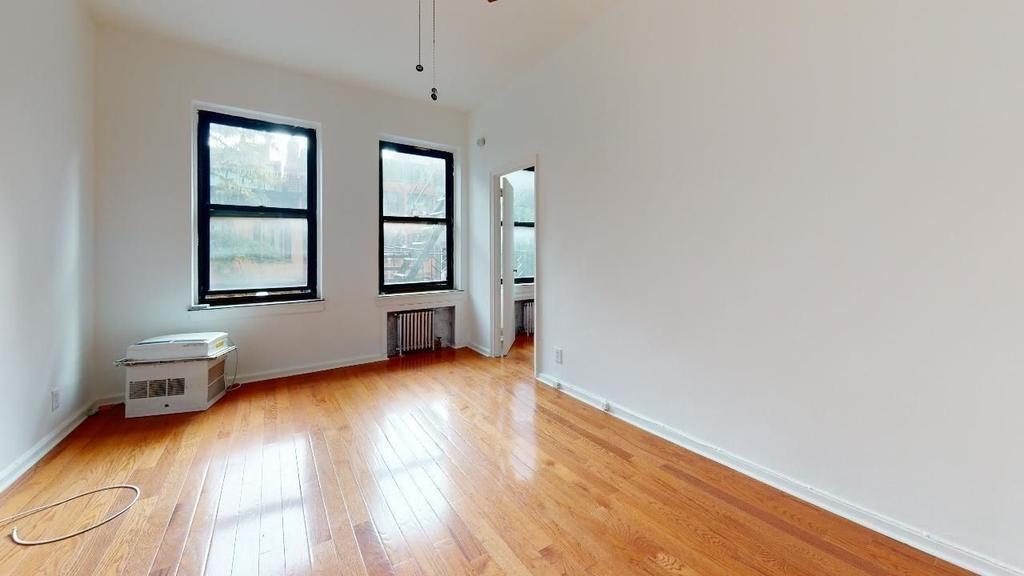 137 East 30th Street - Photo 0