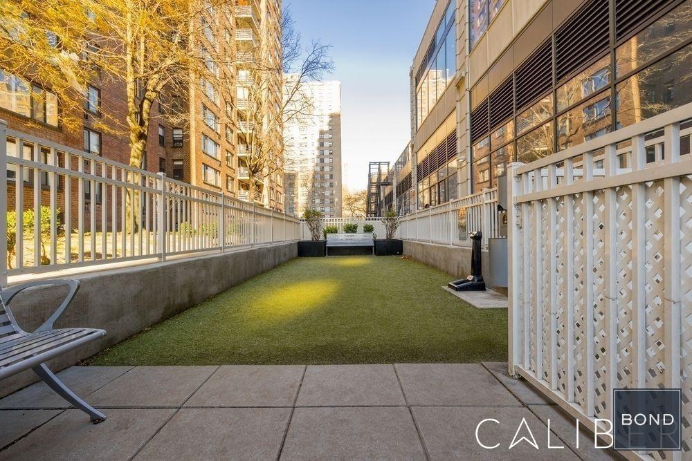 Columbus Avenue - Photo 8