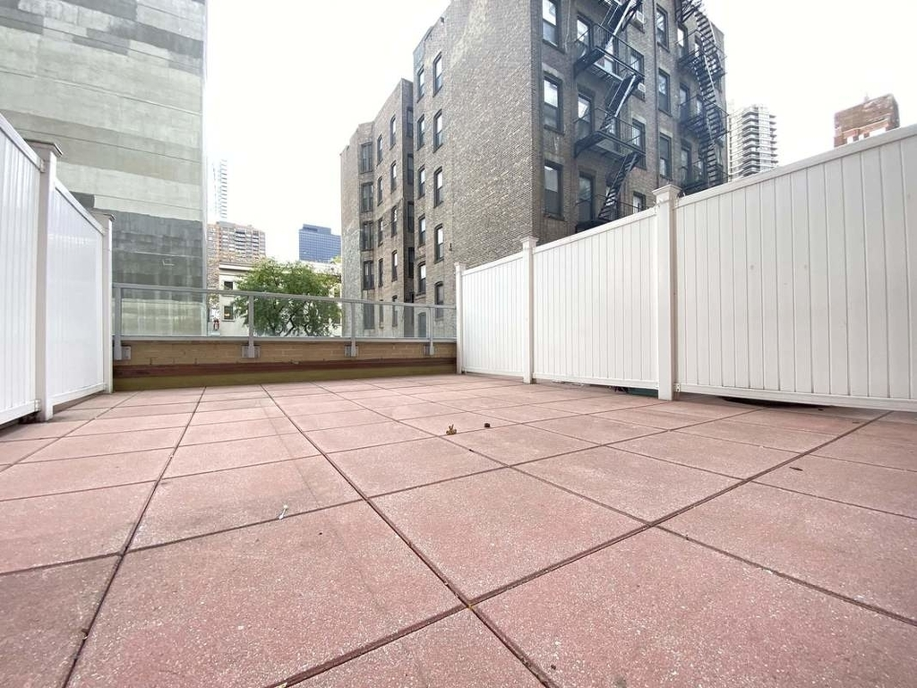 250 East 63rd Street - Photo 0