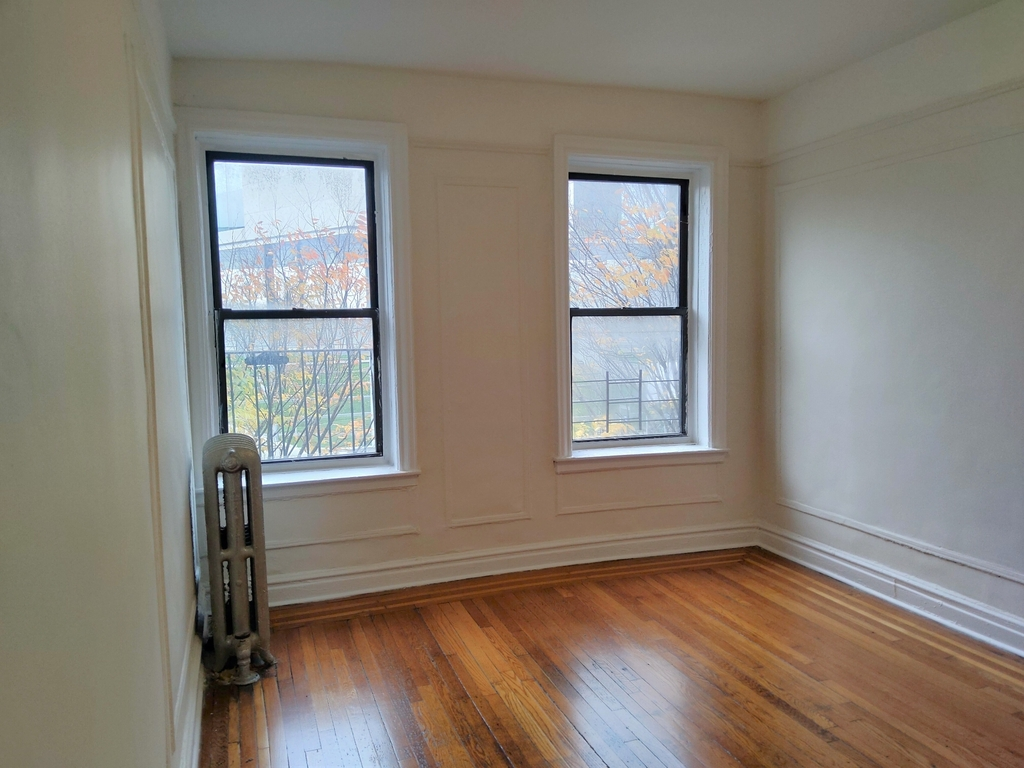 W 217th street & Park Terrace East - Photo 0