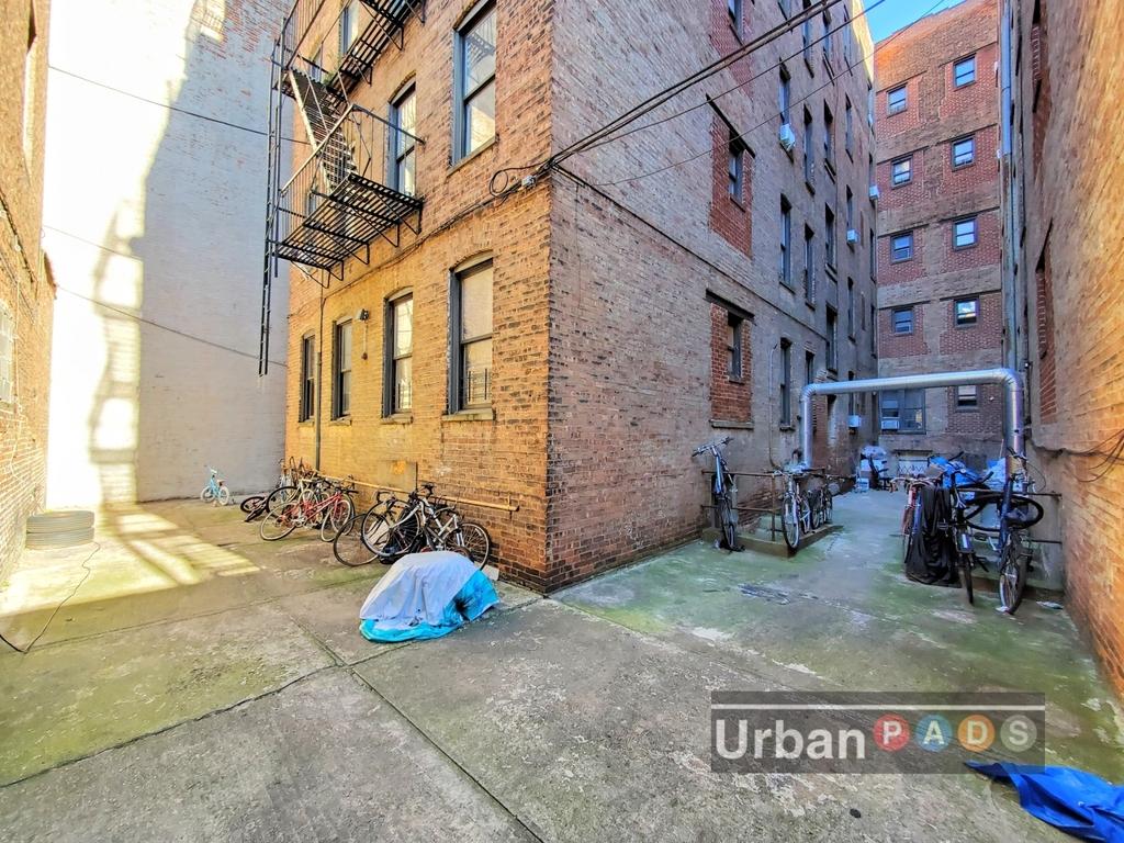 480 Clinton Avenue - Photo 8