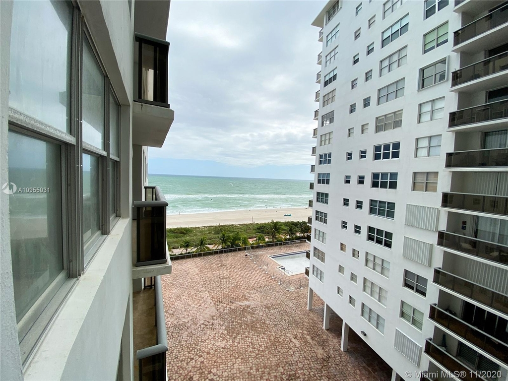 6039 Collins Ave - Photo 15