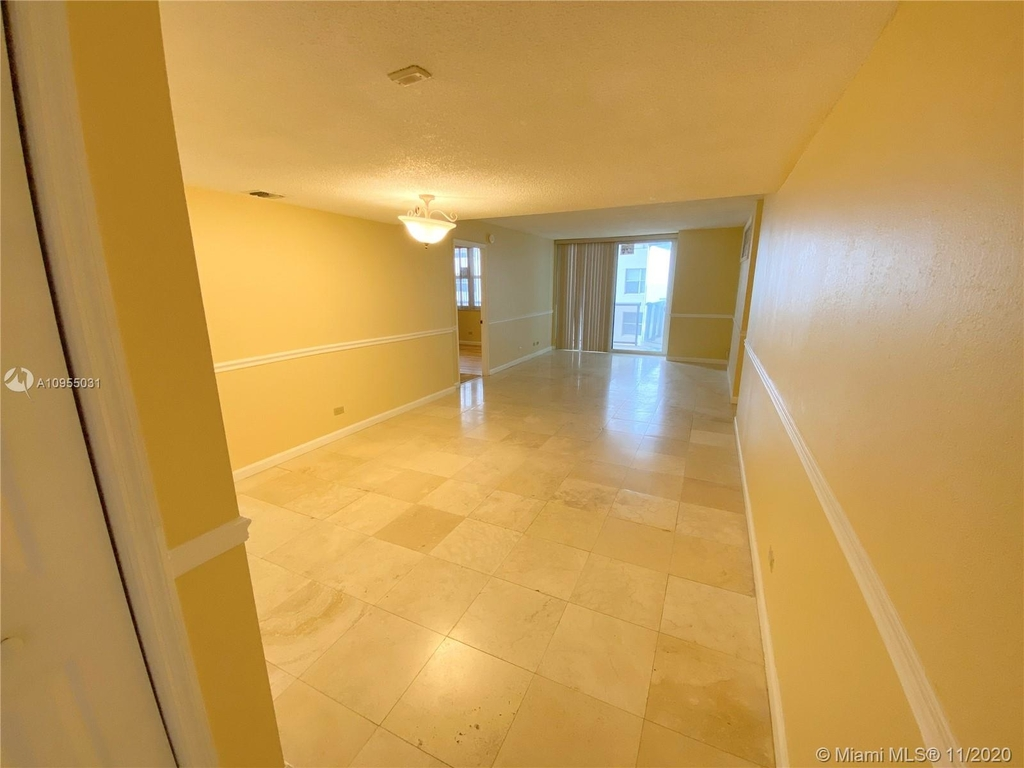 6039 Collins Ave - Photo 0