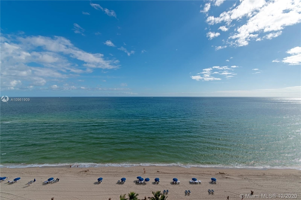 16047 Collins Ave - Photo 5