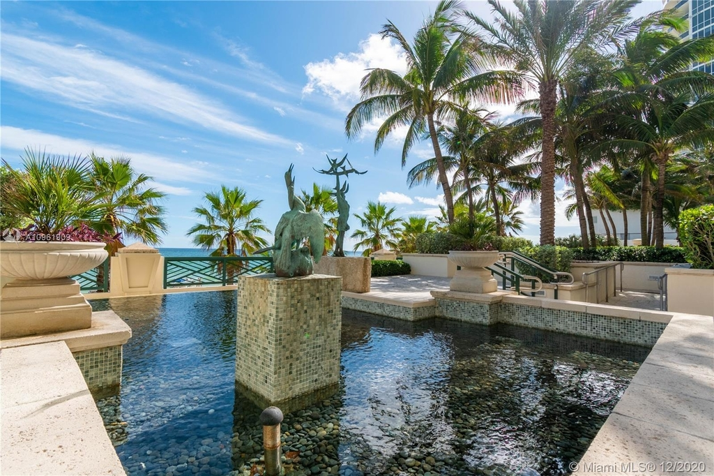 16047 Collins Ave - Photo 25