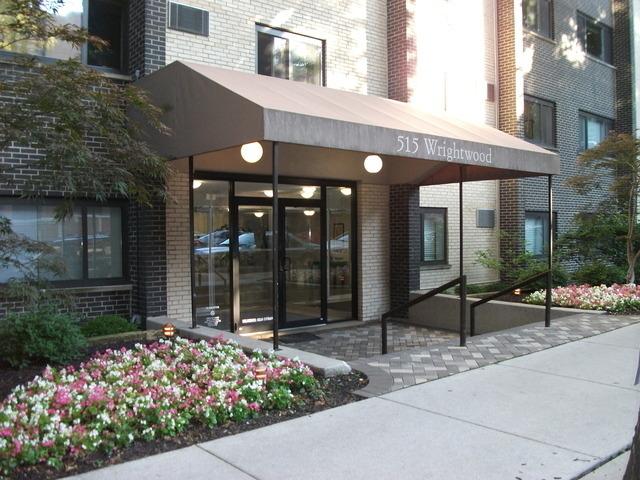 515 West Wrightwood Avenue - Photo 0