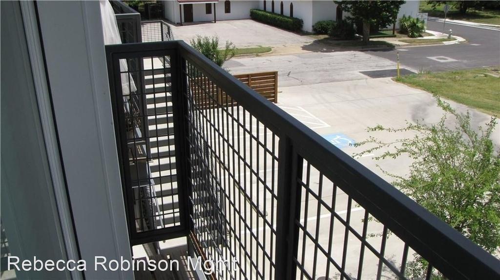 1124 Galveston Avenue - Photo 9