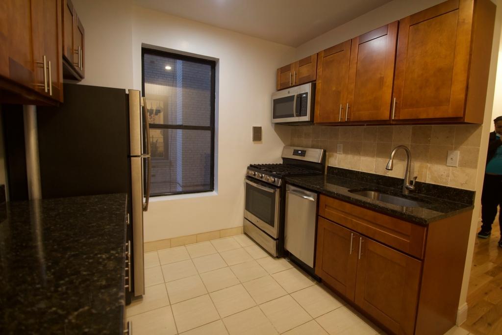 460 West 149th Street - Photo 9
