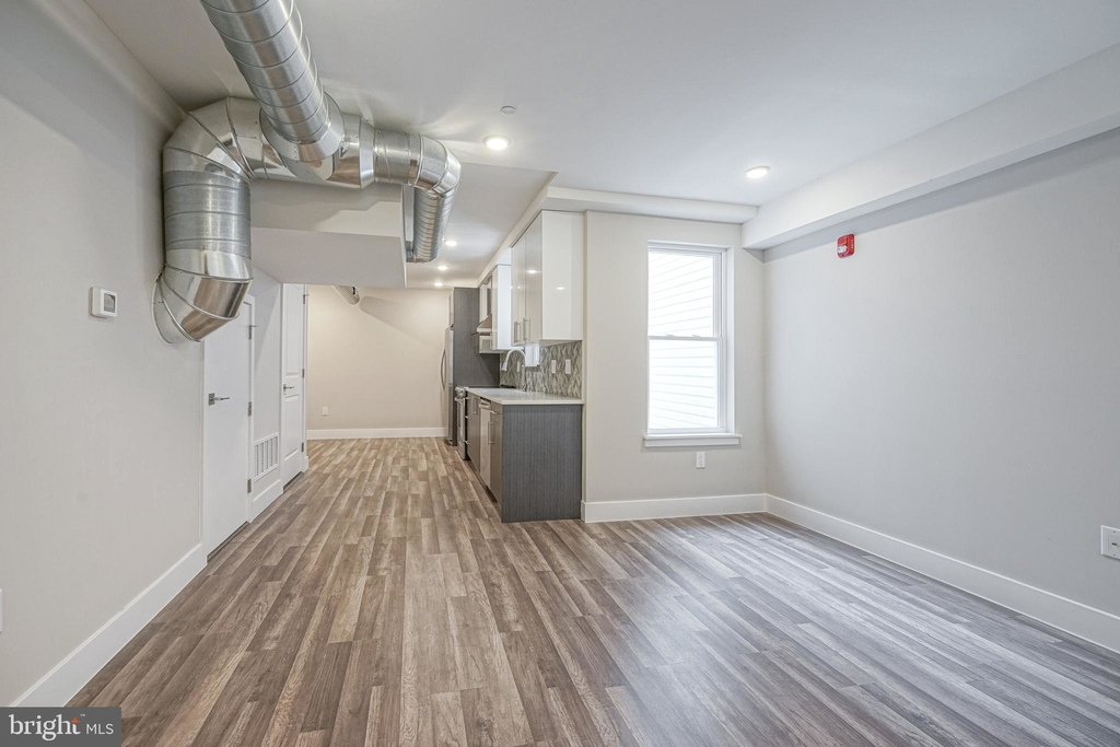 1070 N Front Street - Photo 2