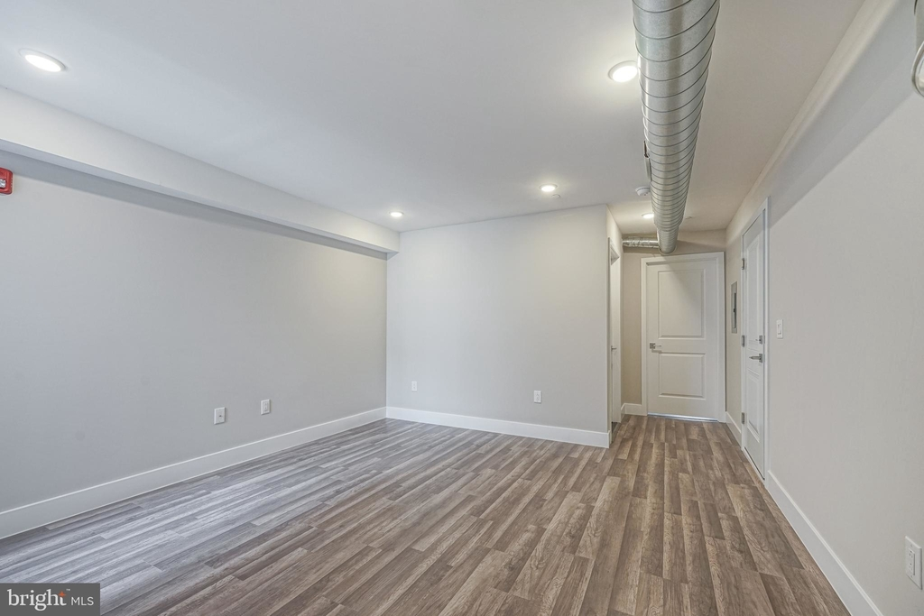 1070 N Front Street - Photo 5