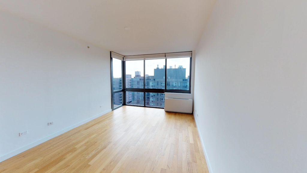 808 Columbus Avenue - Photo 5