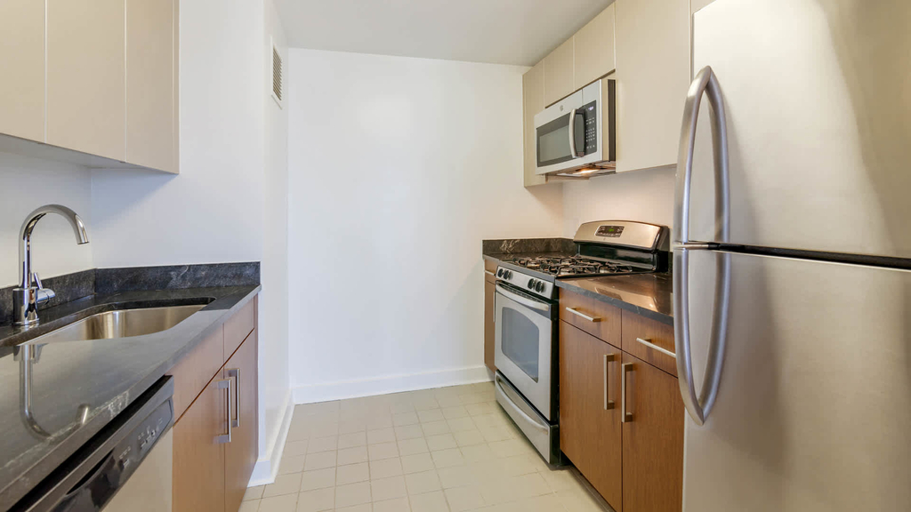 111 Lawrence Street - Photo 4