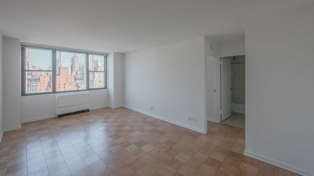 240 East 27th Street - Photo 18
