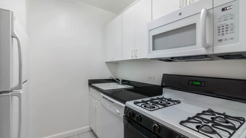 240 East 27th Street - Photo 6