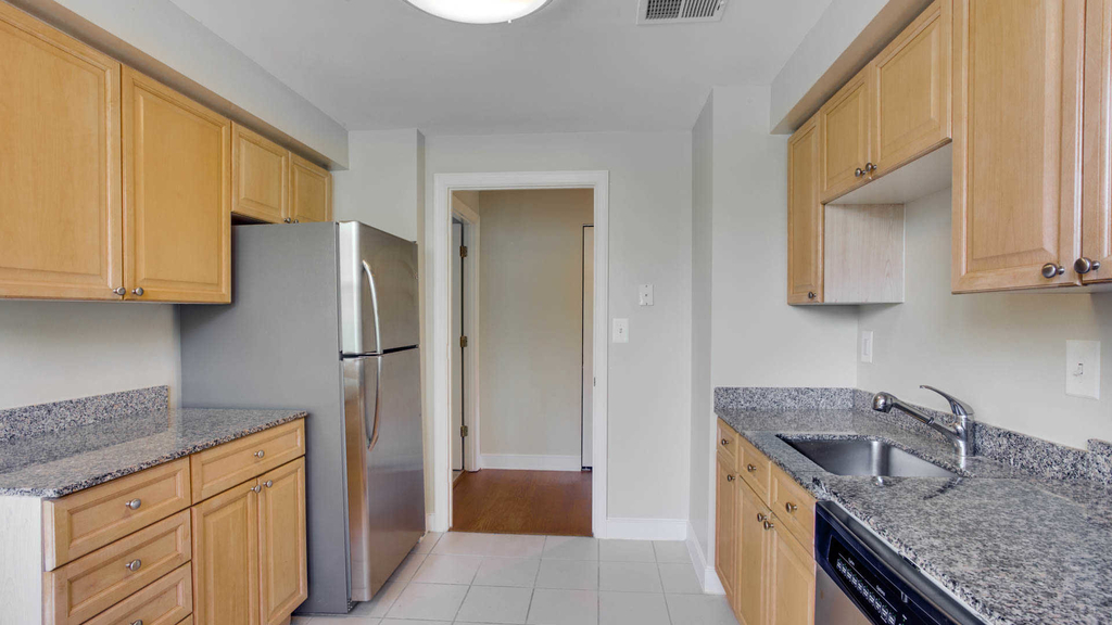 4411 Connecticut Ave. Nw - Photo 5