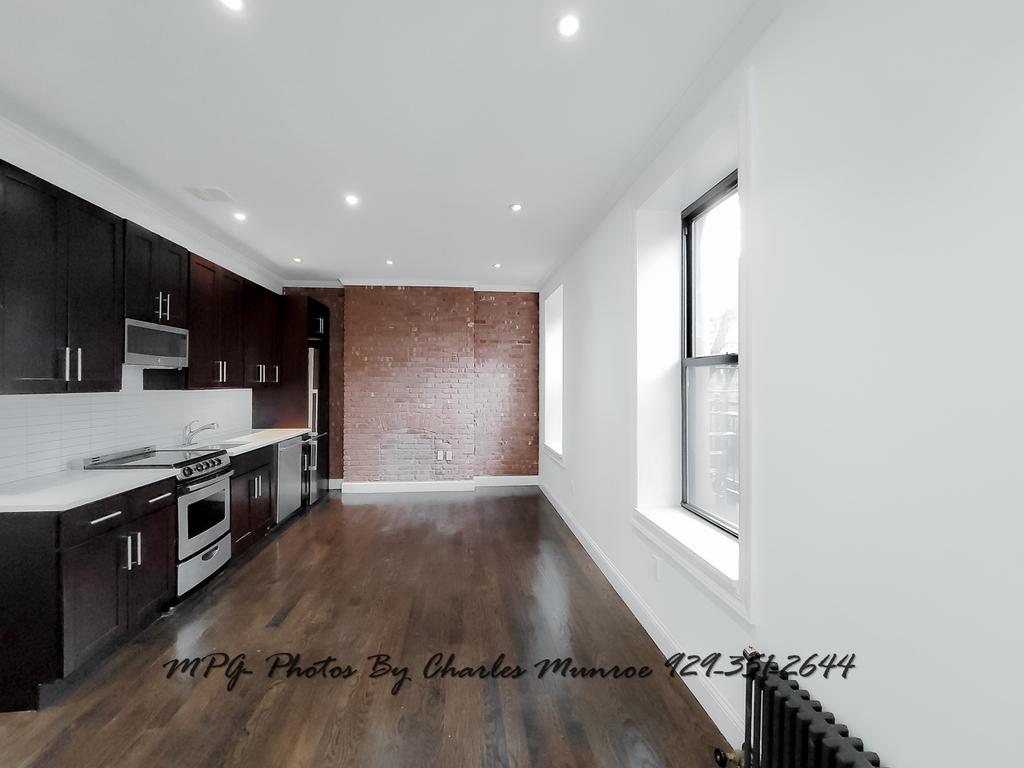 1379 Lexington Avenue - Photo 0