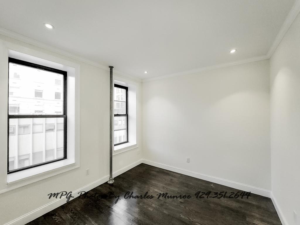 1379 Lexington Avenue - Photo 3