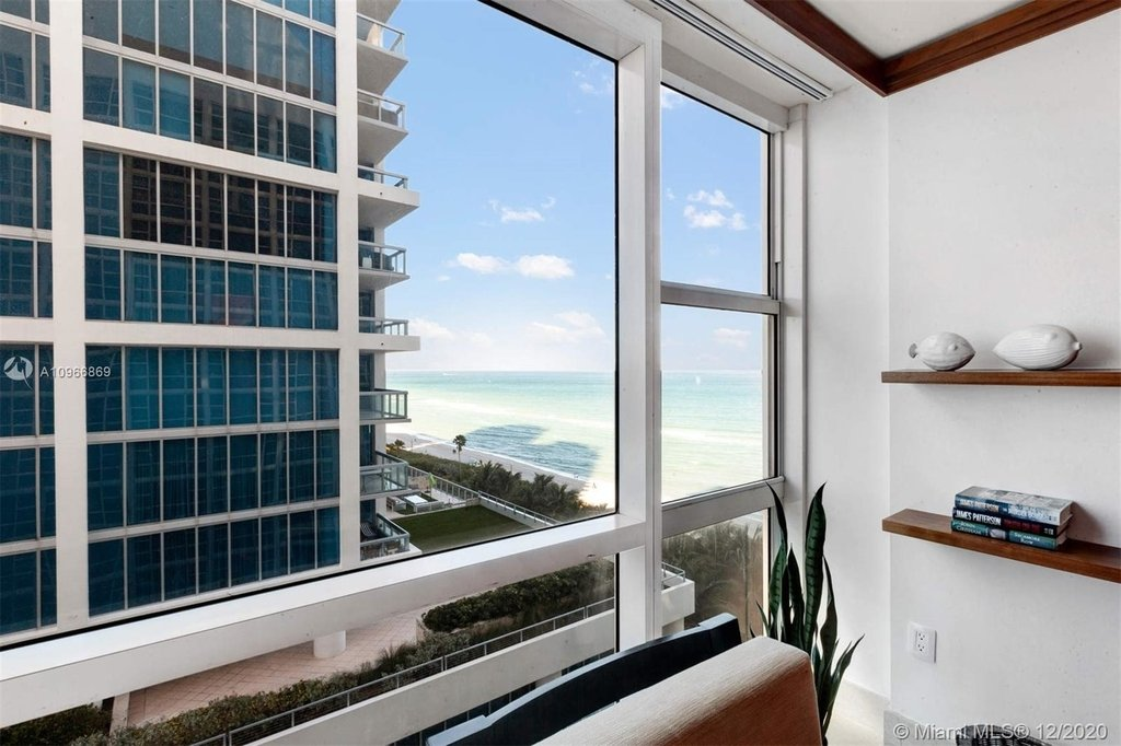 6801 Collins Ave - Photo 19