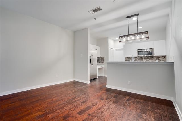 4111 Cole Avenue - Photo 3