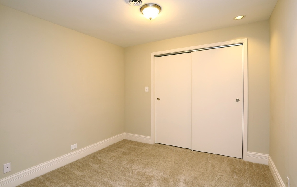 2300 North Lincoln Park West - Photo 5