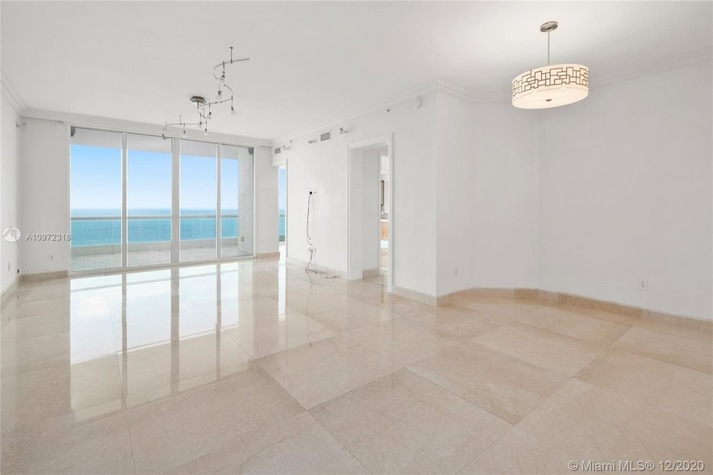 16051 Collins Ave - Photo 0