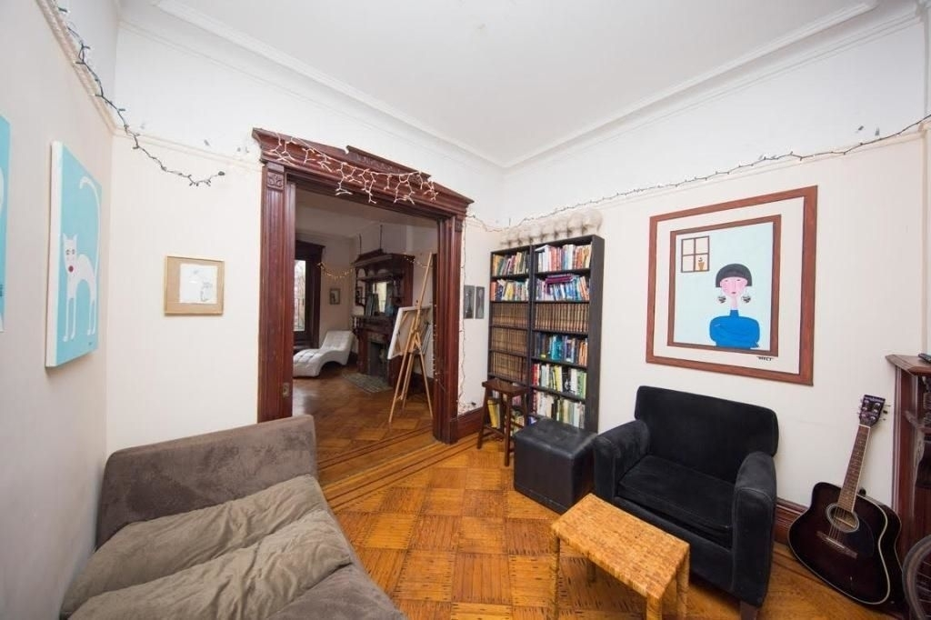 Lincoln Place - Photo 2