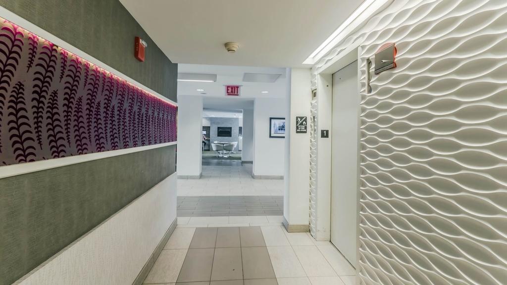 533 West Barry Avenue - Photo 9