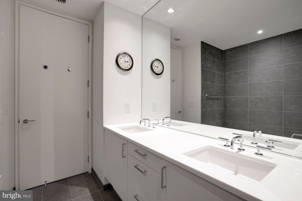 1177 22nd St Nw #2m - Photo 29