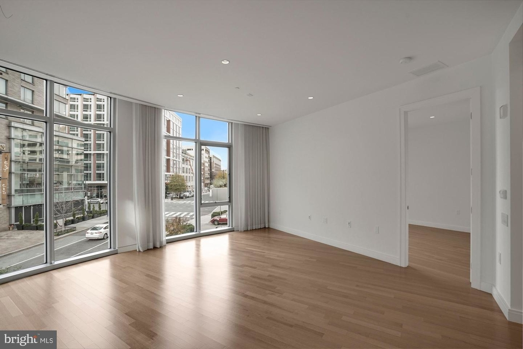 1177 22nd St Nw #2m - Photo 18