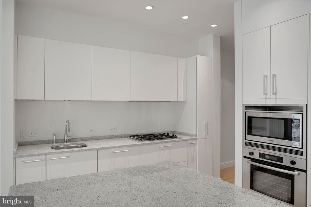 1177 22nd St Nw #2m - Photo 16