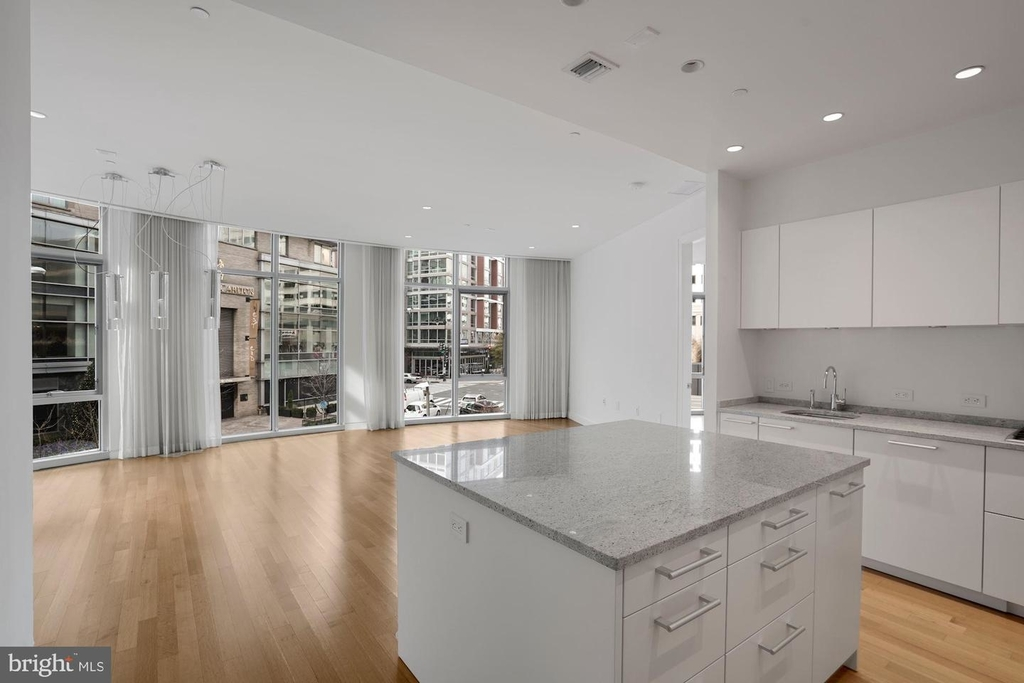 1177 22nd St Nw #2m - Photo 11