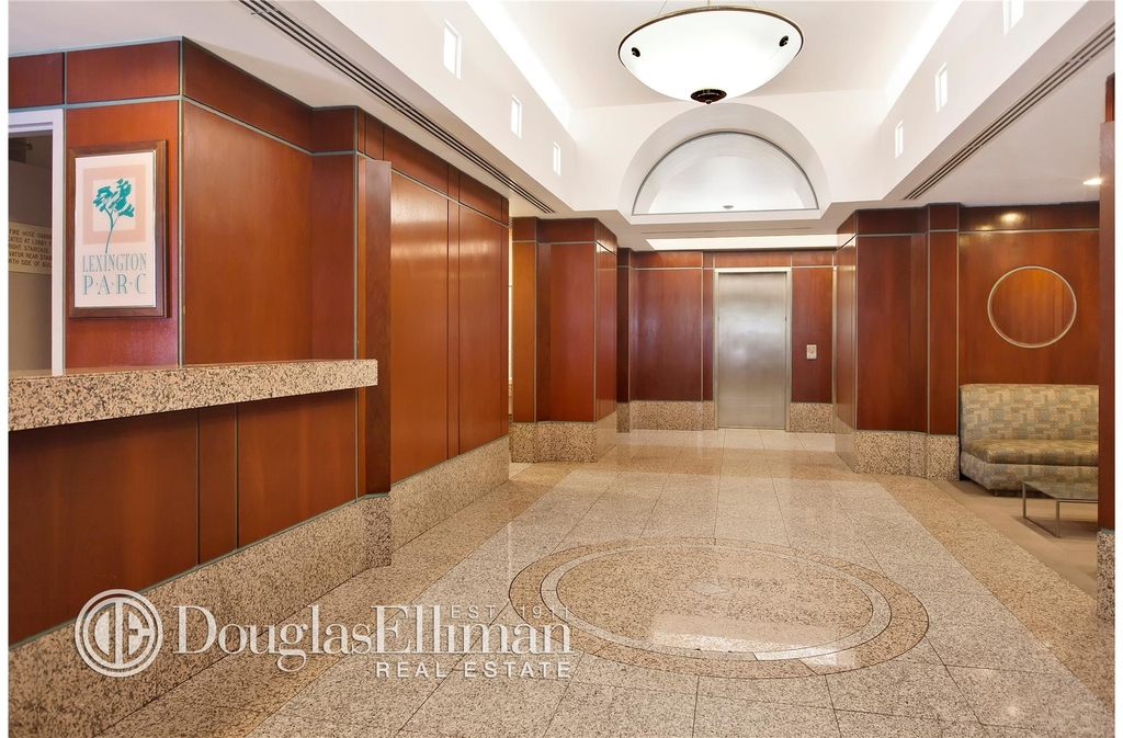 127 East 30th St - Photo 8