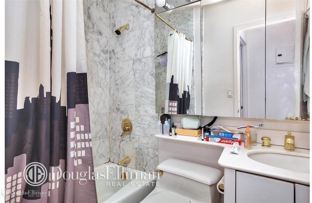 127 East 30th St - Photo 3