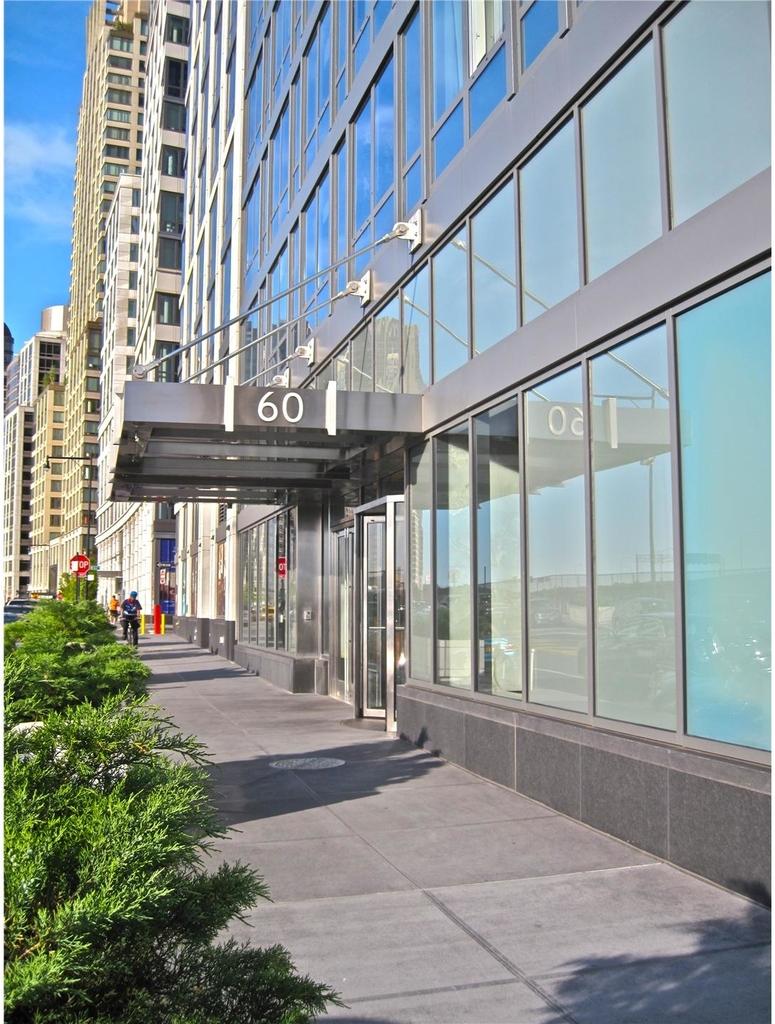 60  Riverside Blvd - Photo 1