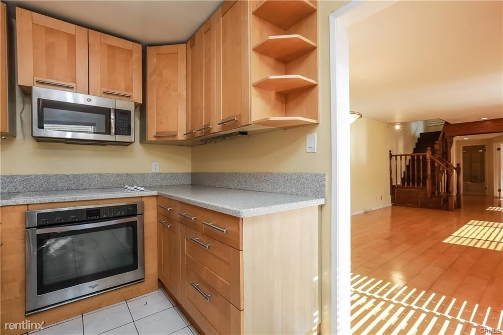 11849 Mayfield Ave Apt 103 - Photo 4
