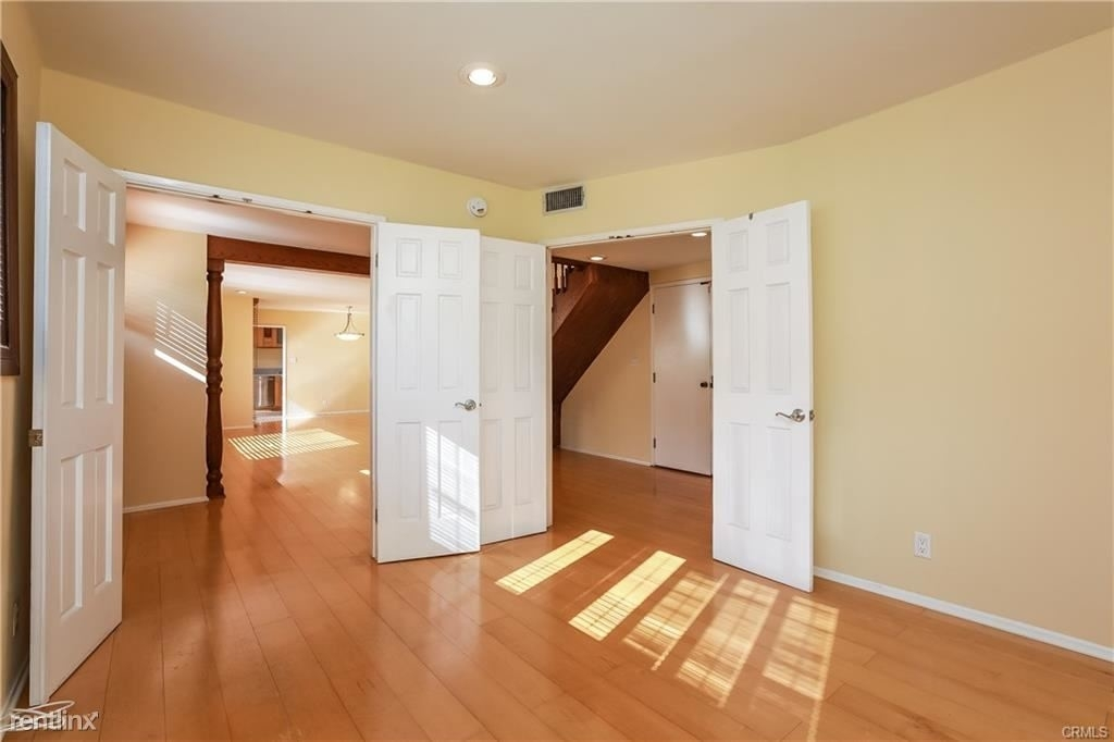 11849 Mayfield Ave Apt 103 - Photo 7
