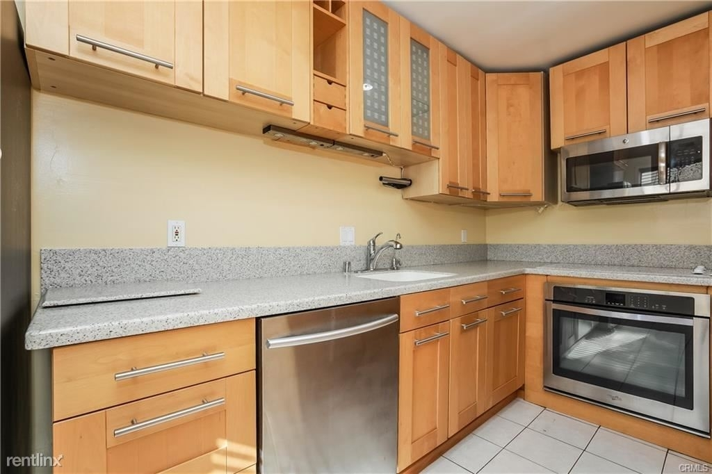 11849 Mayfield Ave Apt 103 - Photo 8