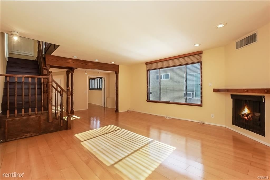 11849 Mayfield Ave Apt 103 - Photo 3