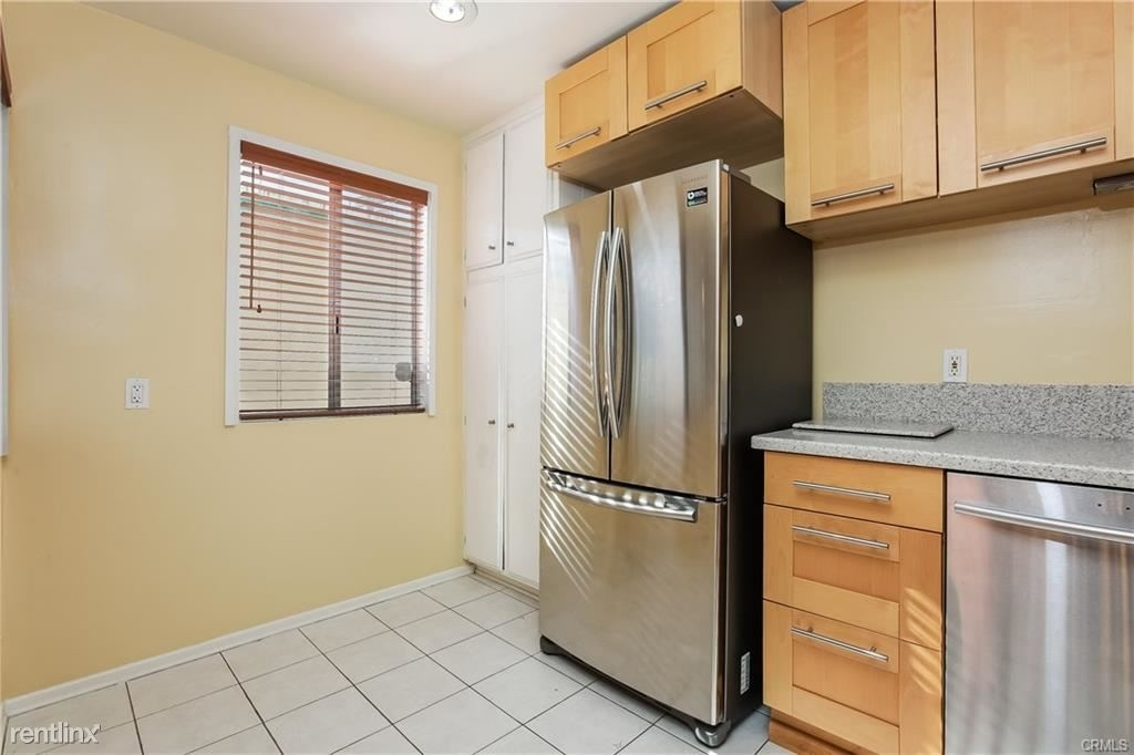 11849 Mayfield Ave Apt 103 - Photo 5