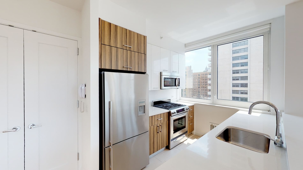 808 Columbus Avenue - Photo 18