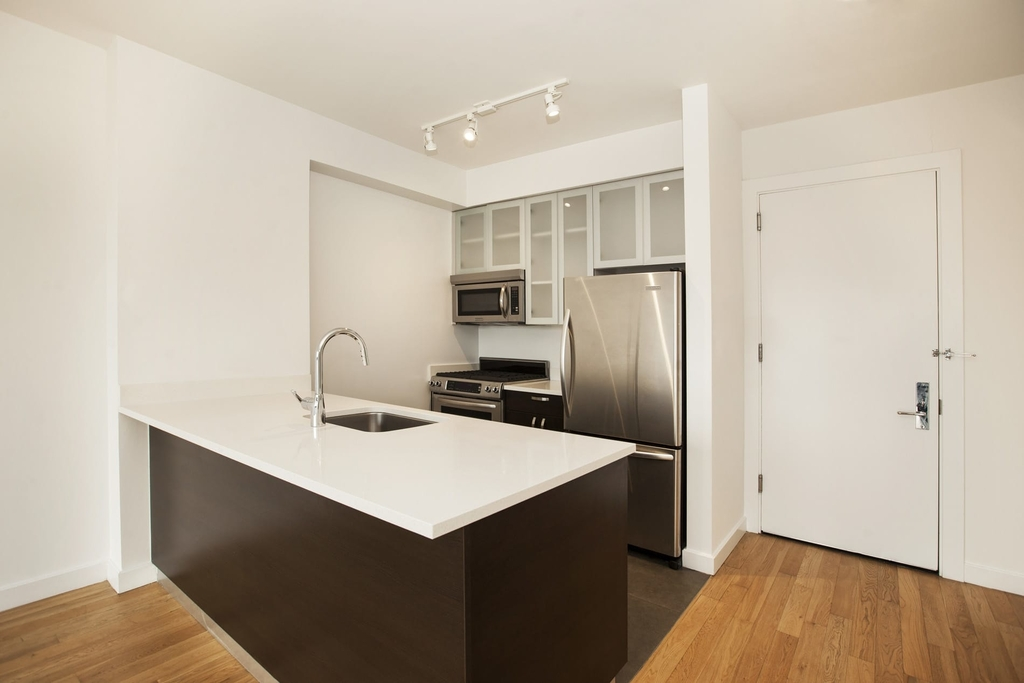808 Columbus Avenue - Photo 14