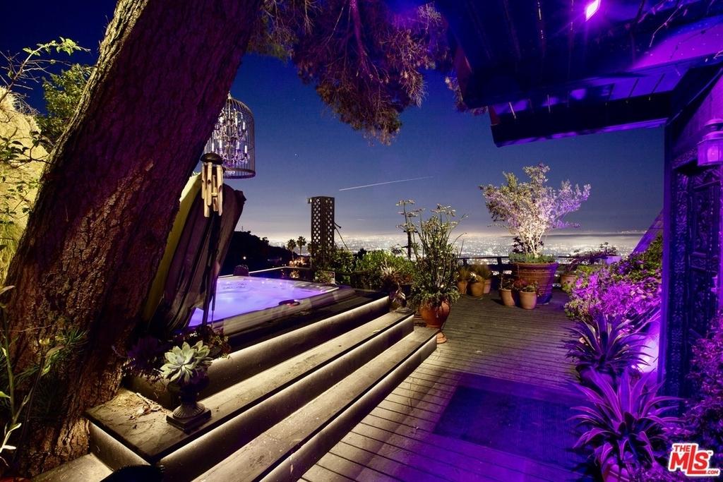 2144 Sunset Plaza Dr - Photo 1