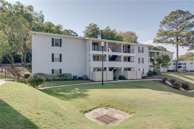 1150 Collier Road Nw - Photo 1